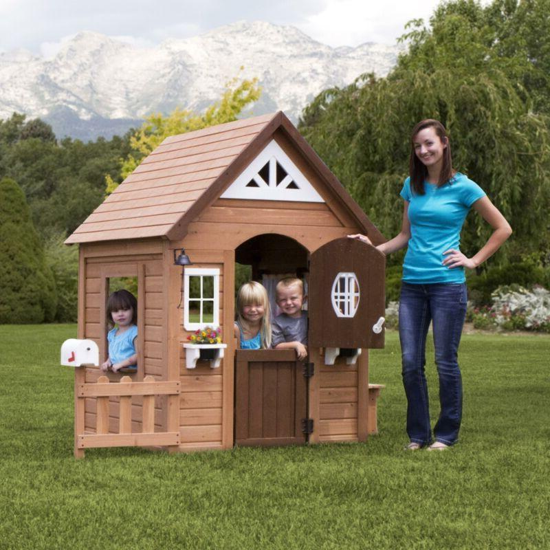 Kids Backyard Discovery Cedar Play House NEW