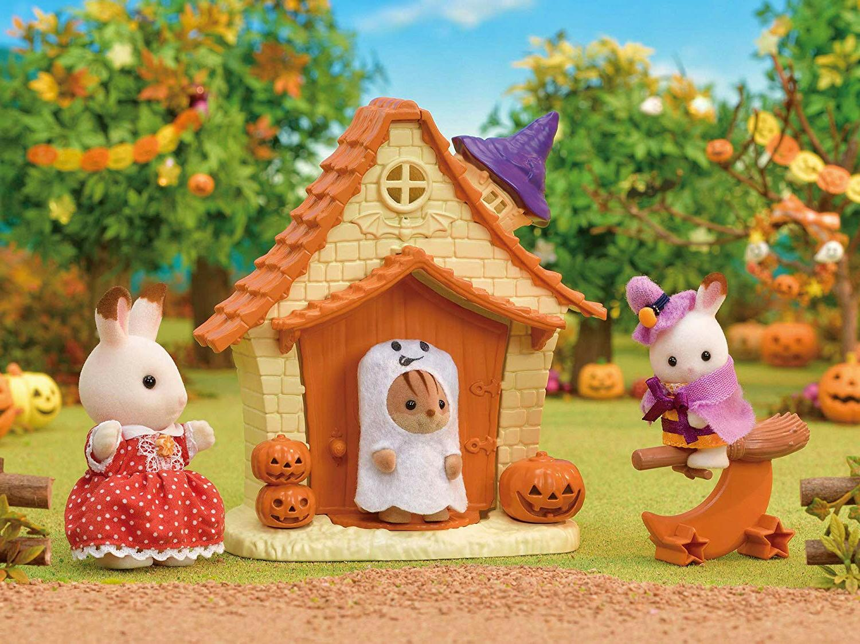 Sylvanian Families Calico Halloween Playhouse Set