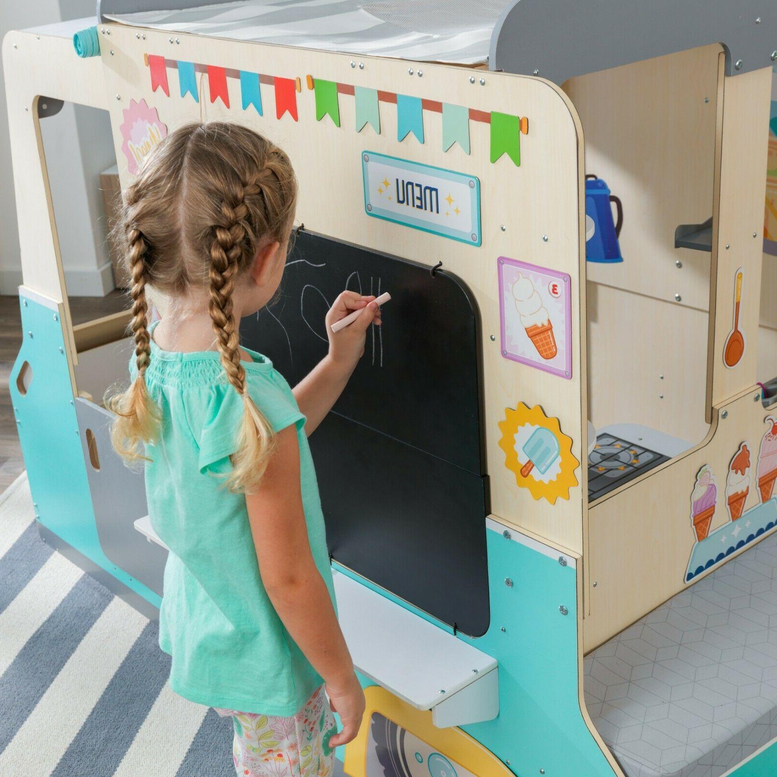 Wondervan Indoor Art Center, Play &